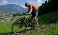 2019-Merida-One-Twenty_carbon-trail-mountain-bike_9000-riding